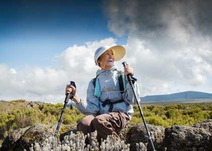 «Воля итруд человека дивные дивы творят»: 86-летняя россиянка покорила Килиманджаро (ВИДЕО) | Русская весна