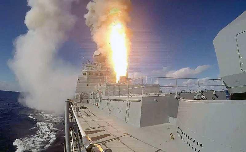 ВАЖНО: Корабли ВМФ России ударили «Калибрами» по объектам ИГИЛ под Пальмирой (ВИДЕО) | Русская весна