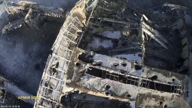Украинские сенсации: аэропорт Донецка по-прежнему работает, но пассажиропоток резко упал (ВИДЕО) | Русская весна