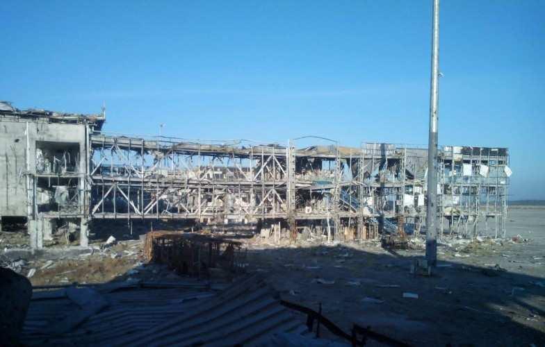 Украинские оккупанты вечером обстреляли окрестности донецкого аэропорта | Русская весна