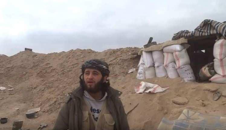 Шокирующее видео: смерть в прямом эфире — «главного пиарщика» ИГИЛ уничтожил снаряд (ВИДЕО 18+) | Русская весна