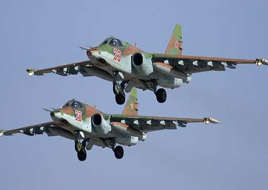 Российские самолеты уничтожили в Сирии завод и БТРы террористов | Русская весна