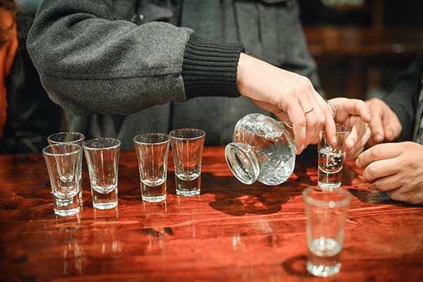 На Украине рекордными темпами растет производство водки   Русская весна