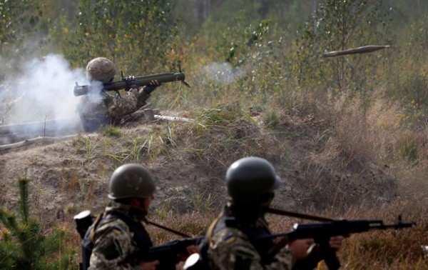 С утра под Донецком начались активные бои, по окраинам города наносятся артиллерийские удары | Русская весна