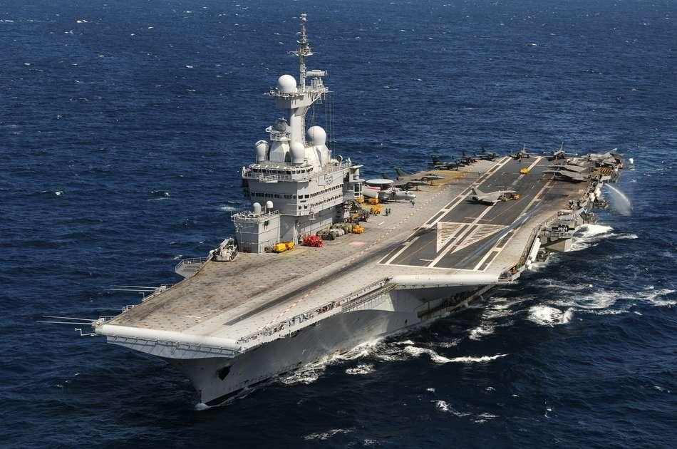 Корабли ВМФ РФ обеспечат боевое прикрытие ВМС Франции   Русская весна