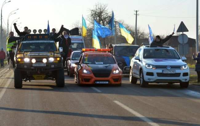 «Автомайдан» заблокировал выезд изРады (ВИДЕО) | Русская весна