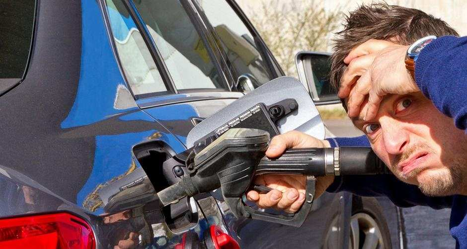 На Украине резко подскочили цены на топливо | Русская весна