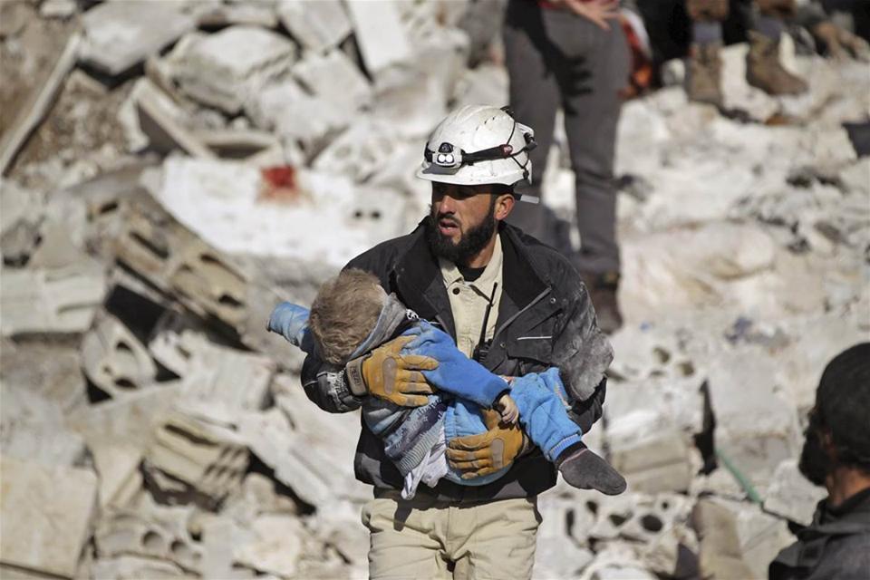 Фотограф, снимавший «раненых детей из Алеппо», задержан в Египте   Русская весна
