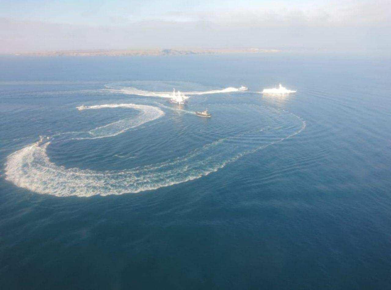 ВАЖНО: Украинским кораблям закрыли проход вМариуполь (ФОТО, ВИДЕО)   Русская весна