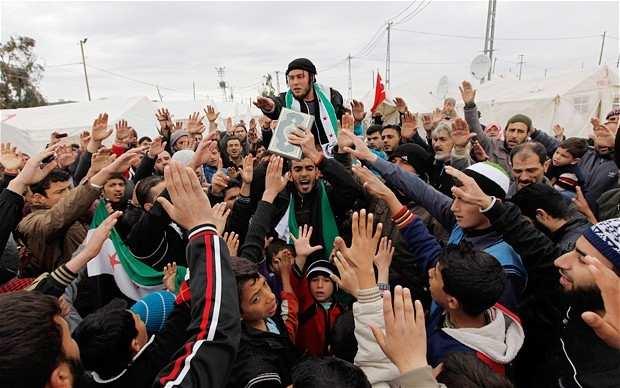 Беженцы возвращаются вСирию после начала операции ВКСРФ | Русская весна