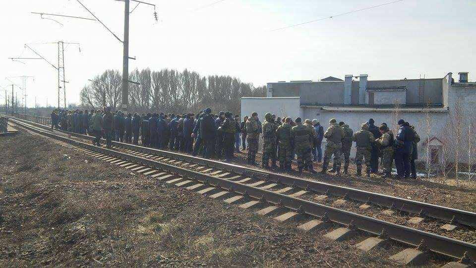 Майдан шагает по стране: в Виннице перекрыли дорогу в знак поддержки блокады (ВИДЕО) | Русская весна