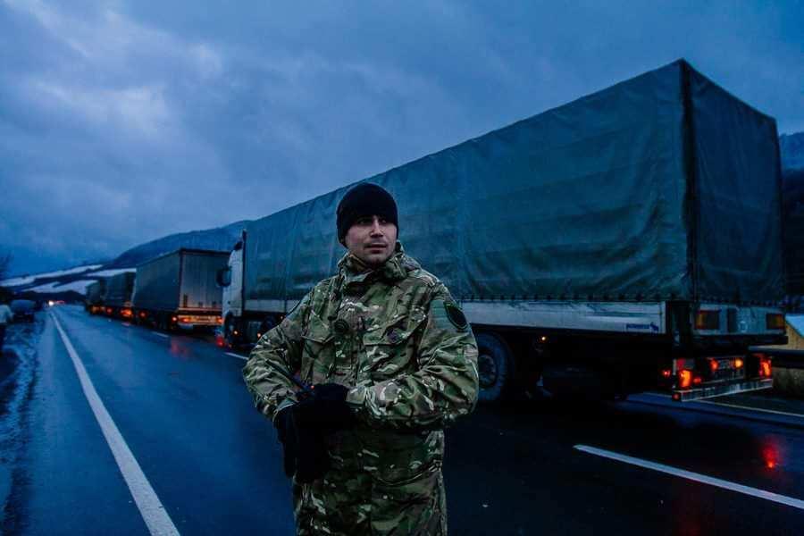 Блокада транзита российских фур в Закарпатье будет продолжена, — заявление радикалов «медвежьей блокады» | Русская весна