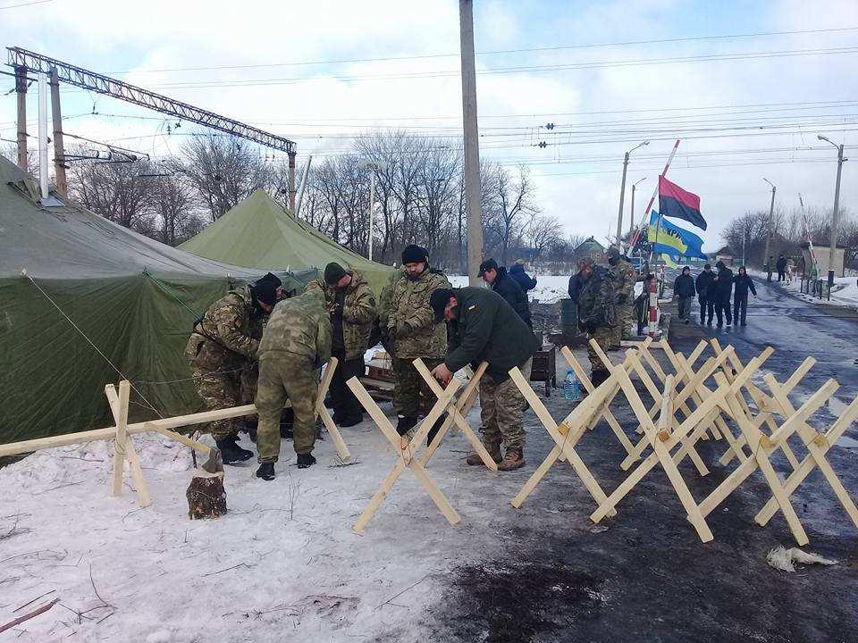 ВАЖНО: Радикалы объявили о начале «второго этапа блокады Донбасса»   Русская весна