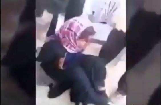 Террорист ИГИЛ переоделся в женскую одежду и пытался сбежать от армии (ВИДЕО) | Русская весна