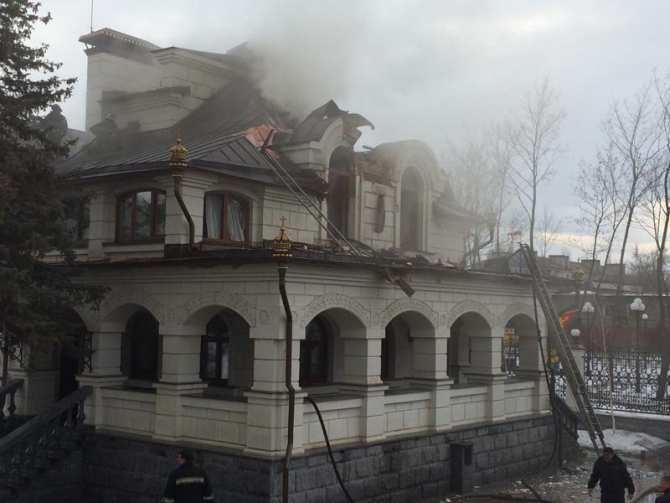 Горловка: обстрелян Богоявленский собор, сожжена трапезная, в которой бесплатно кормили людей (ВИДЕО+ФОТО) | Русская весна