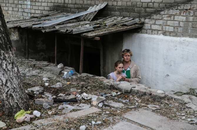 Безводы, безсвета, безтепла: семьи Донбасса вынуждены жить вбомбоубежищах (ВИДЕО) | Русская весна