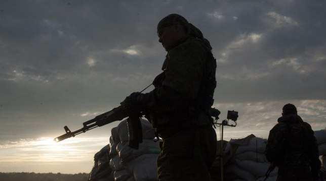 «Когда понял, что Донбасс нуждается в защите, поступить по-другому не мог!» — офицер Армии ДНР (ВИДЕО) | Русская весна