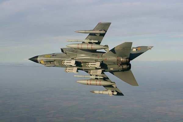 Позор британских ВВС: авиаудары поразили всего 7 боевиков ИГИЛ, ни одна «высокоточная» ракета не попала в цель | Русская весна