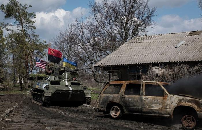 Минобороны ДНР: украинские каратели за сутки более 50 раз нарушили режим прекращения огня | Русская весна