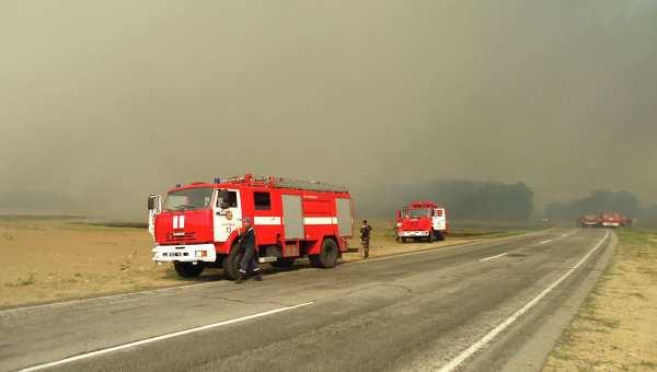 ГСЧС: на нефтебазе в Киевской области горят 8 резервуаров с топливом | Русская весна