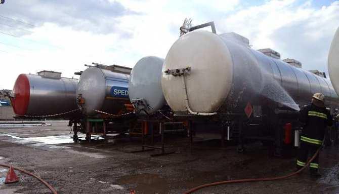 Угроза экологической катастрофы в Северодонецке: на таможенном складе из цистерн вытекает ядовитый метанол   Русская весна