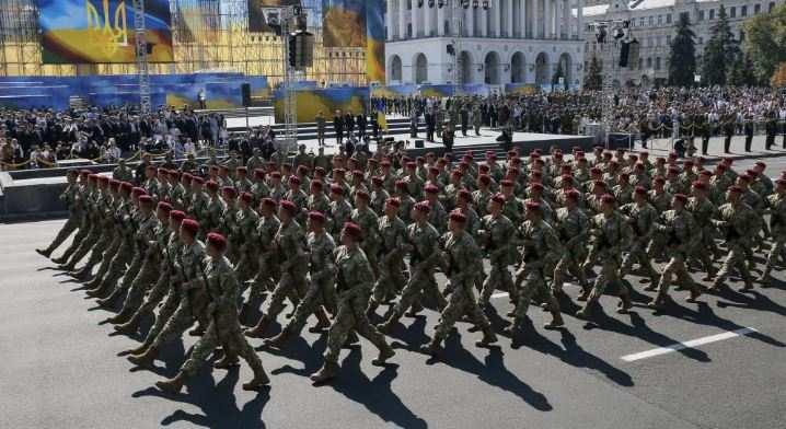 Парад Победы ипарад «независимости»: тест налицемерие длянеонацистов | Русская весна