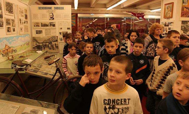 «Московский праздник увезем в ДНР», — дети Донбасса побывали в Москве   Русская весна