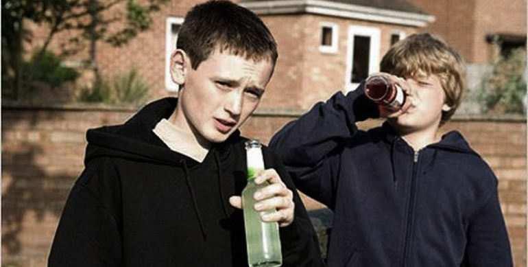 «Это катастрофа»: в Мариуполе дети массово травятся алкоголем | Русская весна