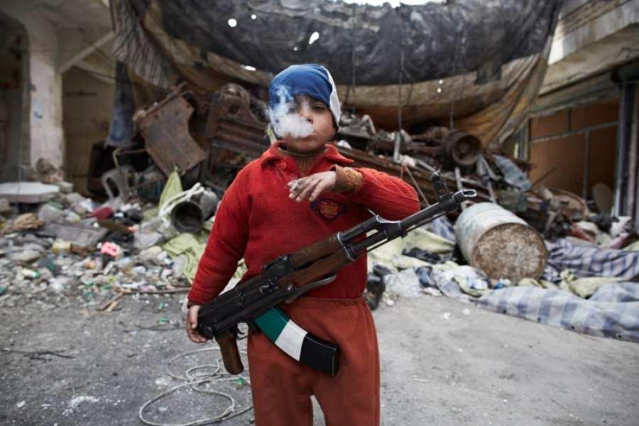 ИГИЛ объявилопринудительную мобилизацию детей из-за бегства взрослых боевиков от российских авиаударов (ВИДЕО) | Русская весна
