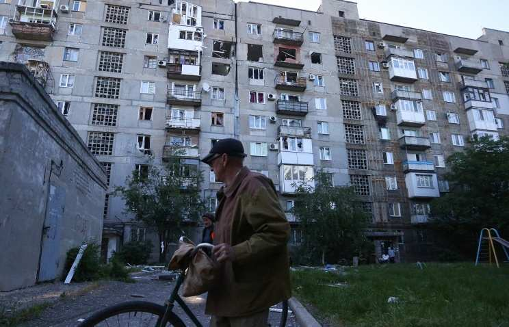 Двое гражданских ранены в Донецке в результате обстрелов со стороны Украины   Русская весна