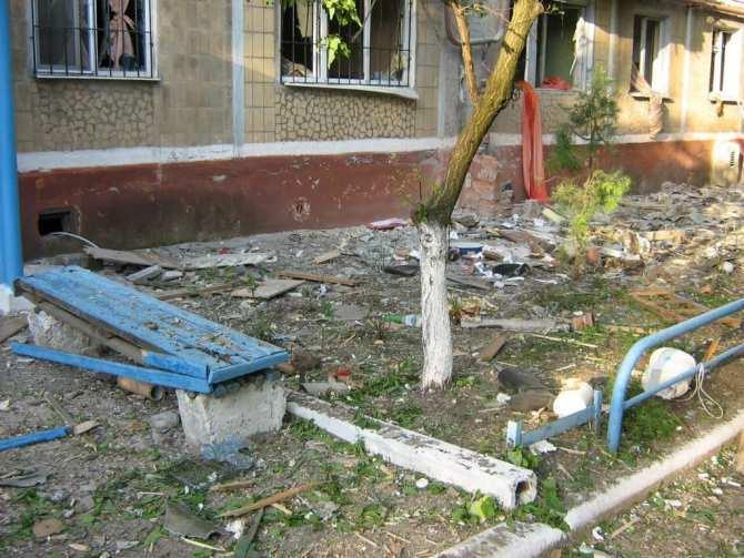 Горловка: Сегодня хоронили женщину изпятиэтажки, аеемаленький ребенок умер прошлой ночью   Русская весна