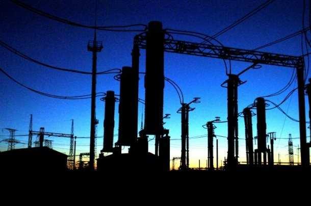 Энергетики Донецка за10часов смогли запитать 227обесточенных обстрелами ВСУподстанций | Русская весна