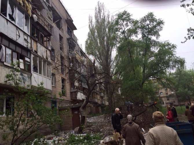 В результате украинских обстрелов погиб 1 ополченец, ранены 6 бойцов ДНР и 7 мирных жителей | Русская весна