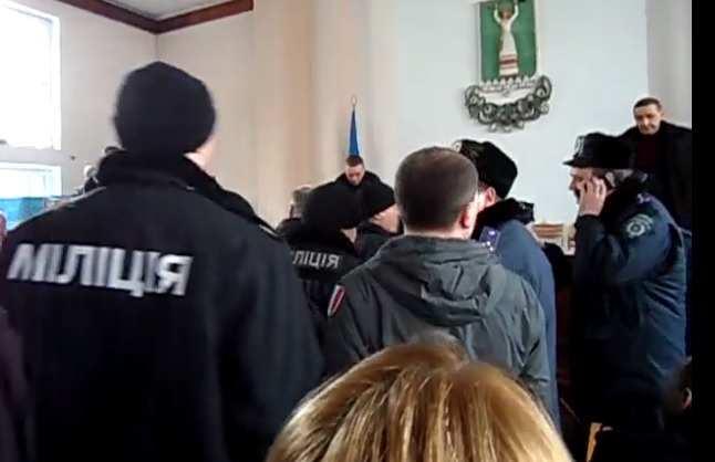 Драка мэра с «Правым Сектором» — будни украинской власти (ВИДЕО) | Русская весна