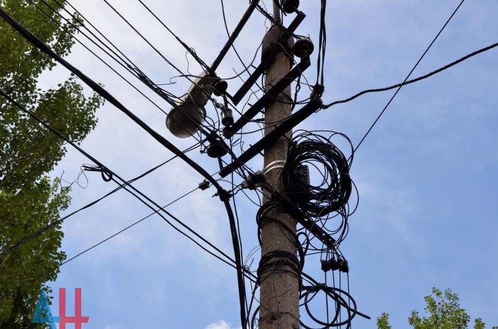В ДНР начали отключать электроэнергию за долги   Русская весна