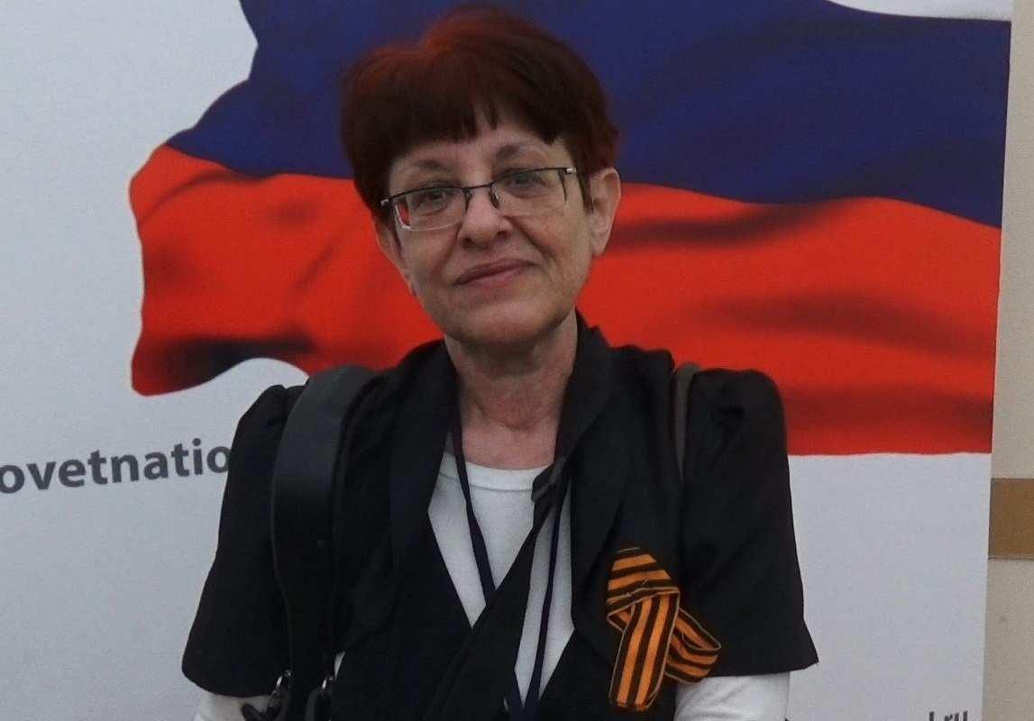 СРОЧНО: Львовянку-антифашистку прямо сейчас выдворяют из России на Украину (ВИДЕО) | Русская весна
