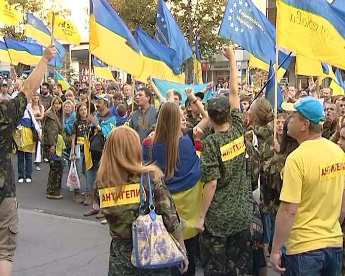 Майдан требует отчета от Порошенко и Яценюка (ВИДЕО) | Русская весна