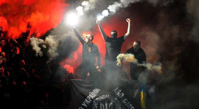 СБУготовит дестабилизацию ЛНР с помощьюфутбольных хулиганов | Русская весна