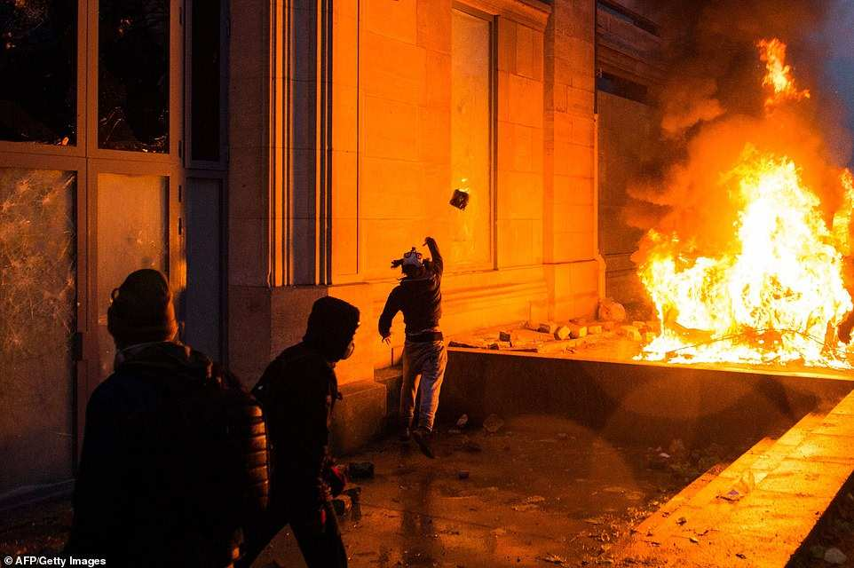 Франция доказала тупость украинского Майдана    Русская весна
