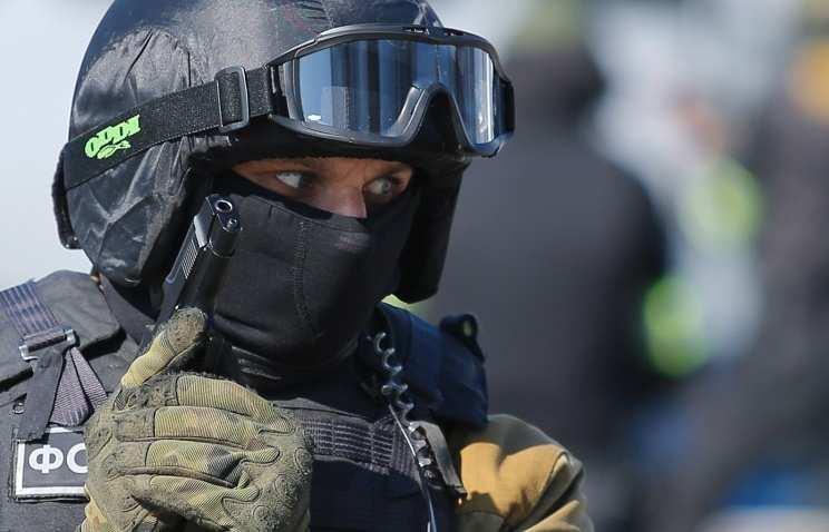 Сотрудники ФСБ на границе с ЛНР открыли огонь по нарушителям, пытавшимся провезти контрабандное сало  | Русская весна