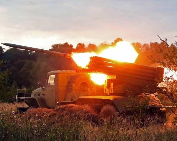 Донецк: в районе Октябрьский — аэропорт — Метро идут ожесточенные бои, плотность огня высокая | Русская весна