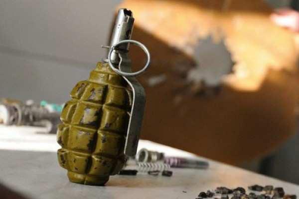 Жертвами взрыва гранаты вЛуганске стали двачеловека — МЧСЛНР | Русская весна