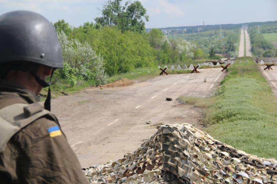 ВСУ за сутки выпустили по территории ЛНР более 70 боеприпасов | Русская весна