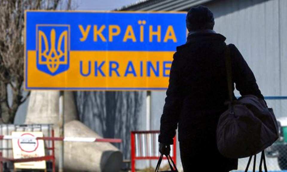Киев иВаршава спорят околичестве украинских беженцев | Русская весна