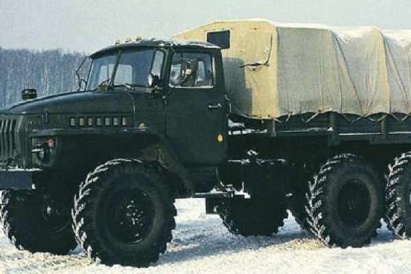 Военнослужащие ВСУ грузовиками вывозят металлолом из поселка Водяное, командование все отрицает | Русская весна