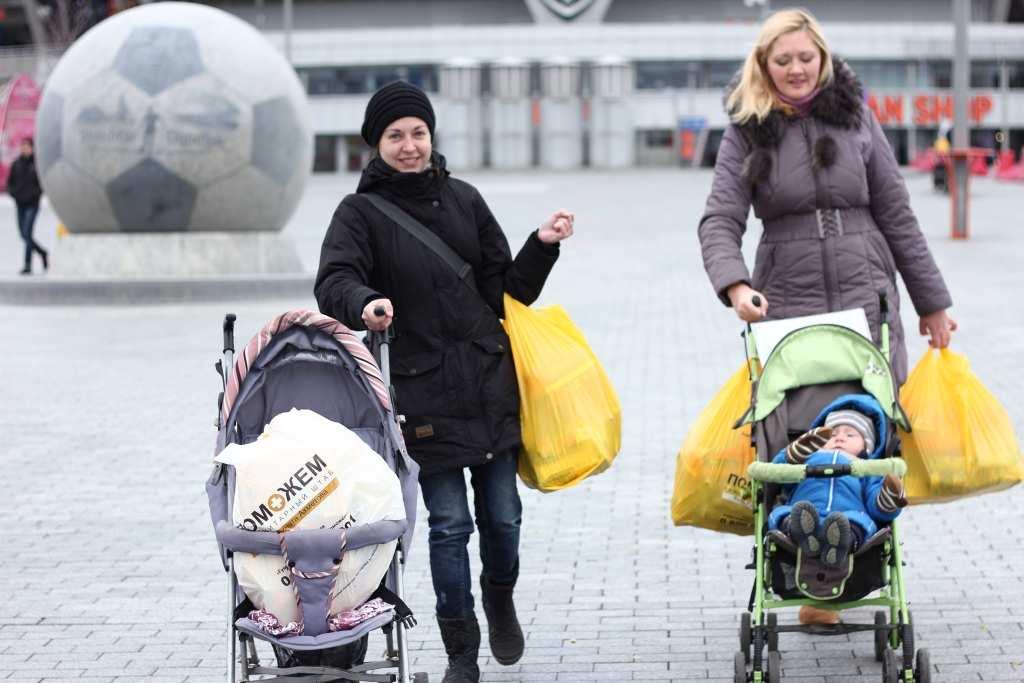 ОФИЦИАЛЬНО: Власти ДНР обеспечат получателей гуманитарной помощи от фонда Ахметова усиленными наборами через 2 недели | Русская весна