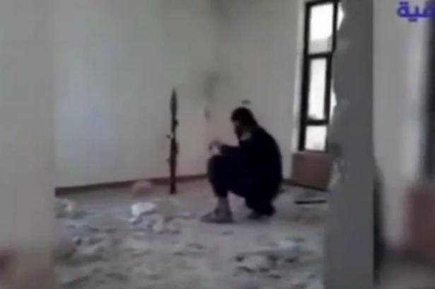 Боевик ИГИЛ случайно взорвал себя перед камерой (ВИДЕО) | Русская весна
