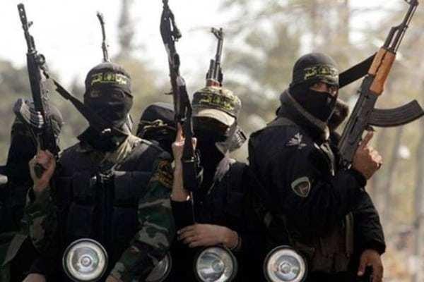 Казначей ИГИЛ пытался бежать из Ракки с деньгами террористов, боевики продолжают убивать друг друга, — сводка от «Тимура» | Русская весна