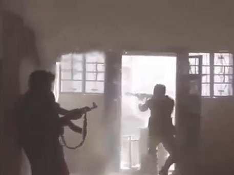 Каккрысы взападне: боевики ИГИЛ мечутся в здании, загнанные «Хизболлой» (ВИДЕО) | Русская весна