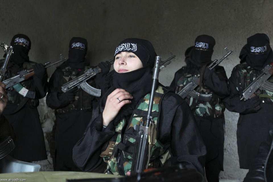 Не желающие становиться смертницами женщины бегут из шариатской полиции ИГИЛ в Мосуле | Русская весна
